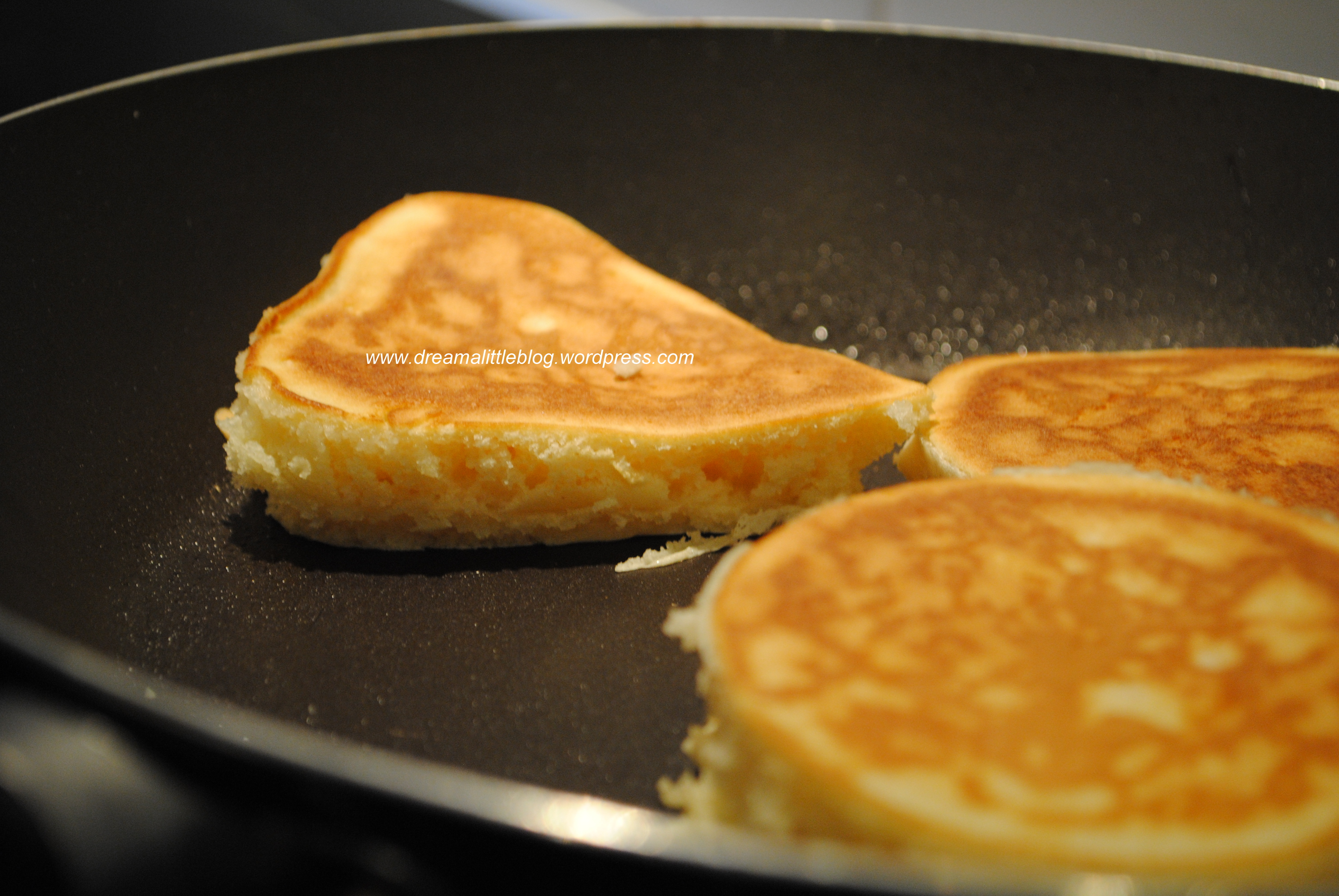 fluffy pancake recipe The secret to a fluffy pancake is to let the batter to sit for about 15 minutes  feel  free to customize the recipe and add fresh fruit or nuts into the.