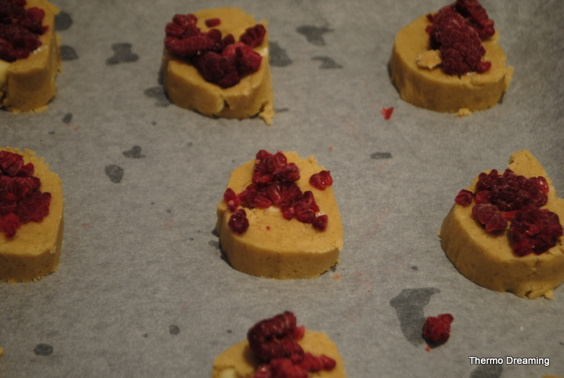raspberry-white-chocolate-cookie-biscuit-thermomix-recipe